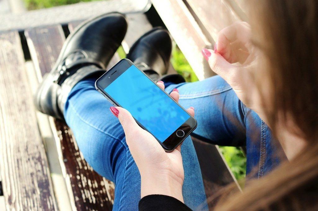 Dosežek brez primere: iPhone uporablja več kot milijarda ljudi