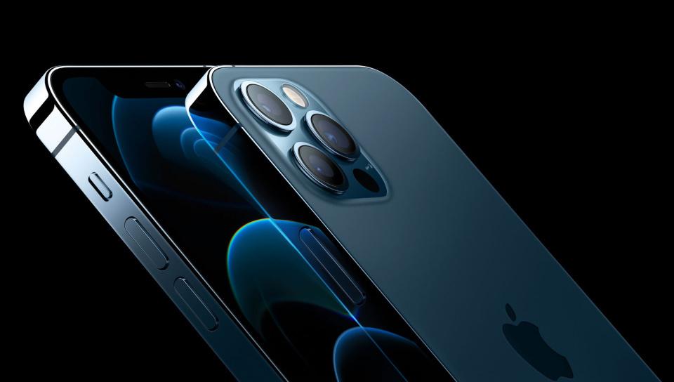 Ohišje pametni mobilni telefonov iPhone 12 Pro in iPhone 12 Pro Max je tokrat kovinsko!