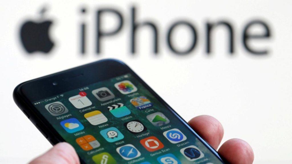 Apple je priznal, da je namerno upočasnjeval delovanje starejših telefonov iPhone.