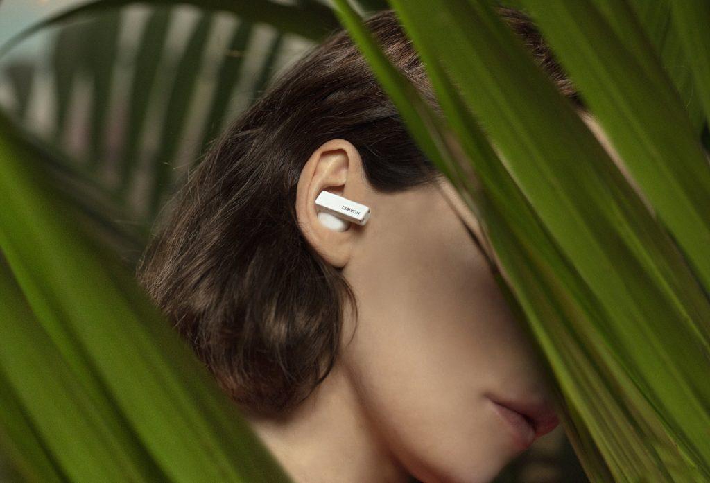 Odpovej hrup, zaplavaj v morju glasbe in občuti viralni zvočni fenomen, za katerega nujno potrebuješ slušalke
