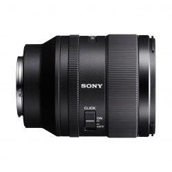Sony z novincem med objektivi polnega formata FE 35mm F1.4 GM