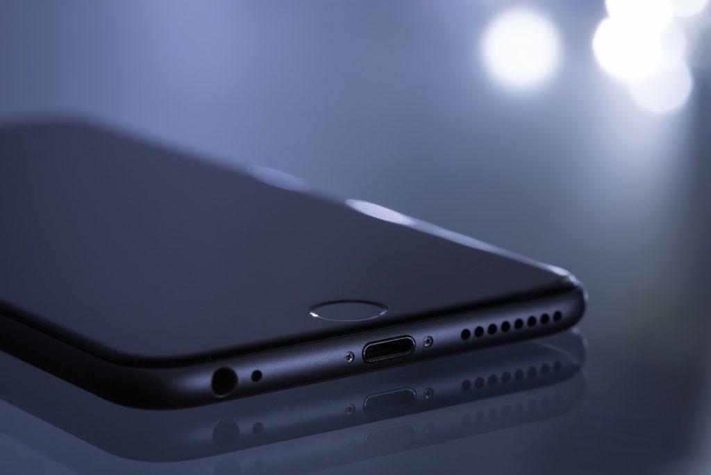 iPhona 13 po vsej verjetnosti ne bo ... nikoli!