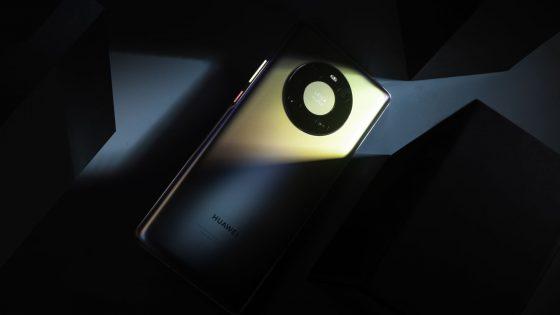 Izjemni pametni telefon prihaja v Slovenijo