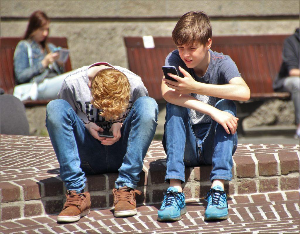 Letos od 6. do 8. februarja potekajo svetovni dnevi brez pametnega telefona