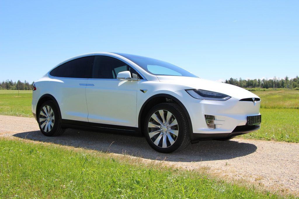 V Tesli bodo do leta 2030 na leto proizvedli 20 milijonov avtomobilov
