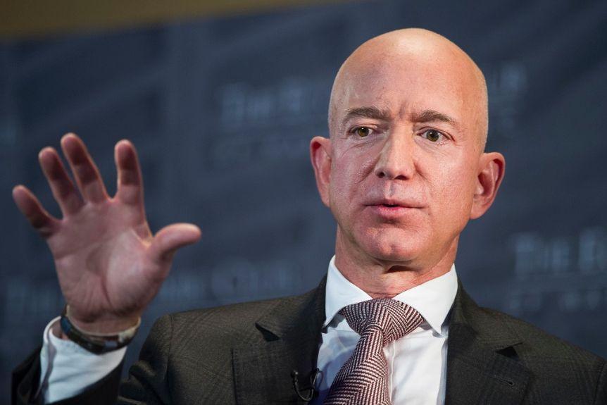 Jeff Bezos zapušča pozicijo prvega moža Amazona