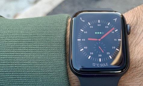 Povpraševanje po pametnih ročnih urah Apple Watch ne pojenja!