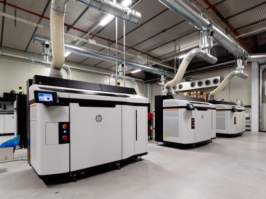 """3D tiskalniki - stroji za """"brizganje"""" plastike brez dragih orodij"""