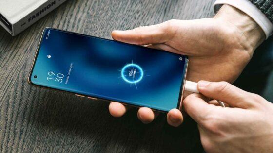 Pametne mobilne telefone bomo kmalu lahko polnili še hitreje!