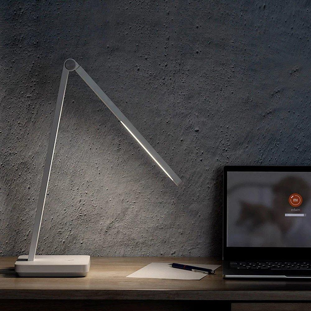 Očem prijazna Xiaomi namizna svetilka