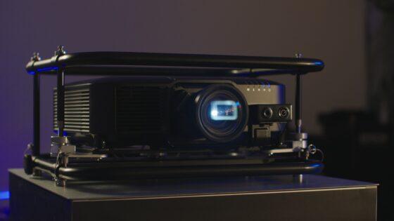 Epson naskakuje sam vrh na trgu laserskih projektorjev z novo družino 3LCD.