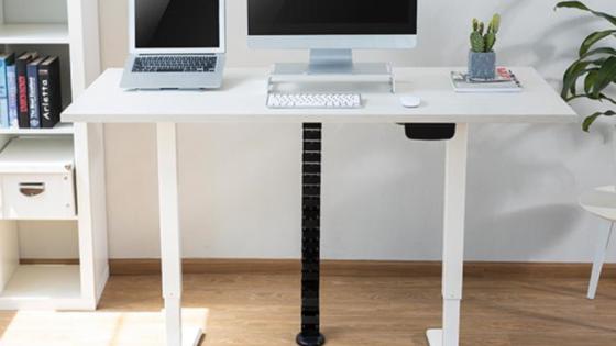 Z dvižnimi pisalnimi mizami Habitech poskrbimo za razgibano delo.