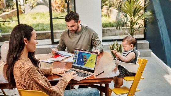 Microsoft 365 nudi premijske aplikacije Office, dodaten prostor v oblaku, napredno varnost in še več.