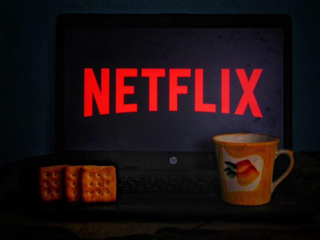 Netflix bi lahko odslej naprej kaznoval vsako nezakonito deljenje uporabniškega računa!