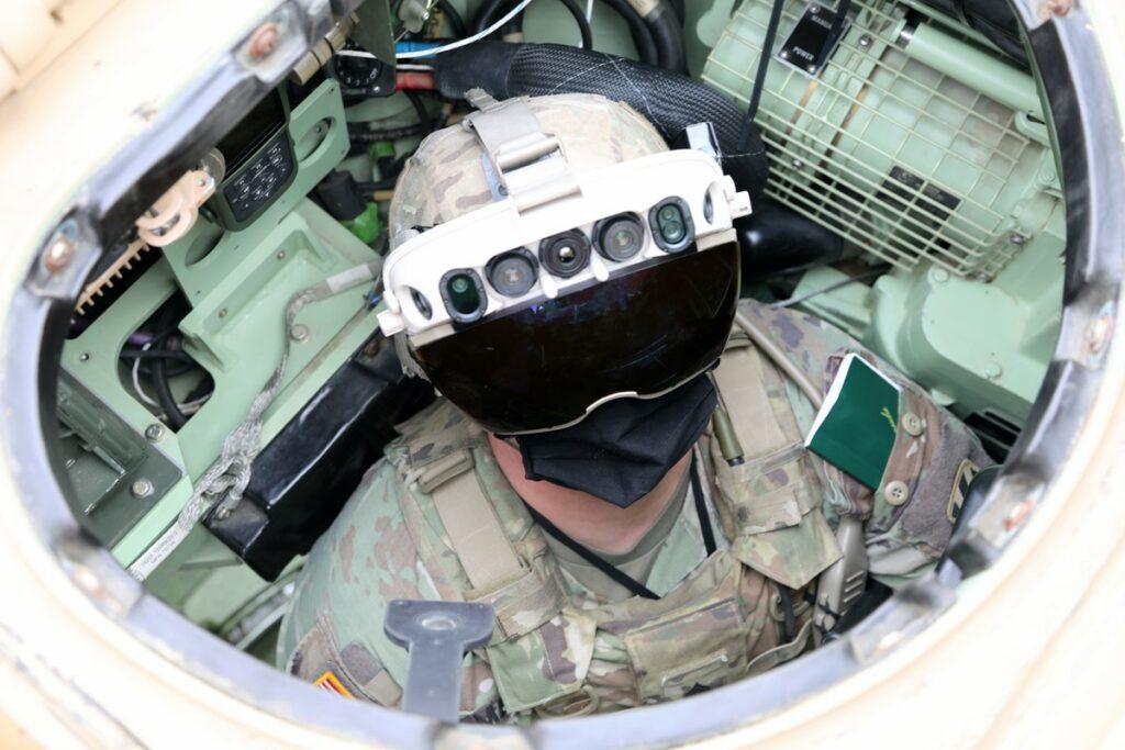 Napredna vojaška čelada bo vojakom dala precejšnjo prednost na bojišču!