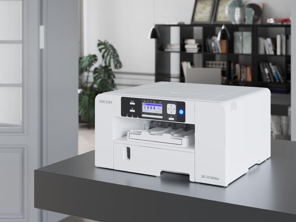 Novi GelJet tiskalnik SG 3210DNw dostavijo kar v domove uporabnikov.
