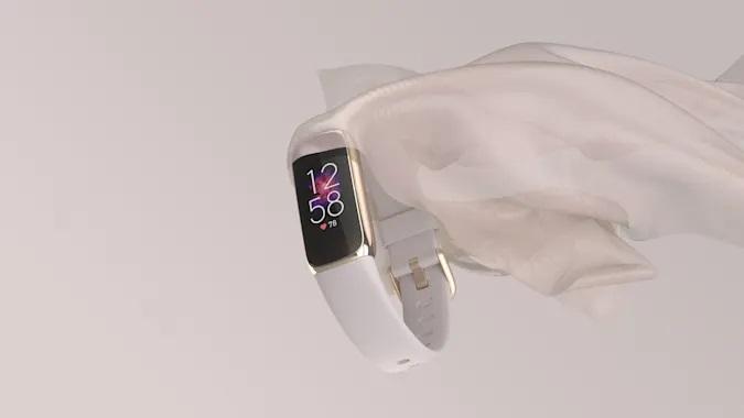 Pametne zapestnice Fitbit Luxe so precej bolj všečne v primerjavi s klasičnimi zapestnicami.