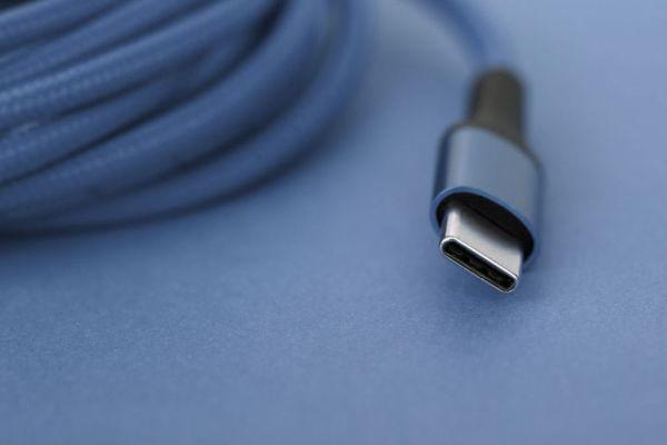 Novi vmesnik USB-C bo omogočal napajanje naprav z močjo kar 240 vatov.