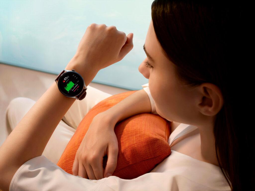 Nakup vstopne različice Huawei Watch 3 nas bo olajšal za 369 evrov.