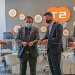 Družba T-2 je odprla novo poslovalnico v Novem mestu, ki bo uporabnikom še bolj približala vrhunske telekomunikacijske storitve.