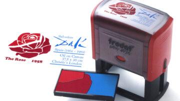 Večbarvne štampiljke, kot že samo ime pove, so vrsta štampiljk, ki lahko natisnejo prilagojeno besedilo in logotipe v več barvah.