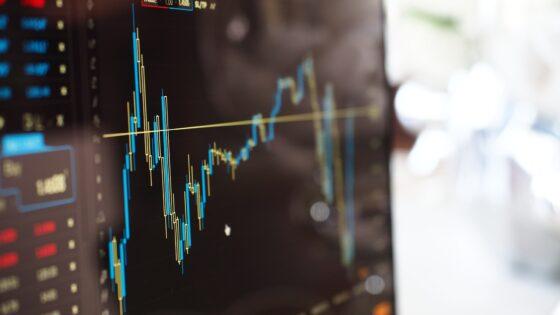 Najnovejši padec kriptovalut je marsikoga presenetil in vlagatelji počasi usmerjajo pozornost v plemenite kovine, katerim je v tem času vrednost občutno poskočila.