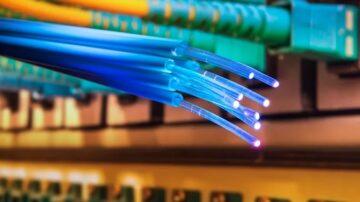 Japonskim znanstvenikom je uspelo doseči prenos podatkov preko interneta s hitrostjo kar 319 terabitov na sekundo.