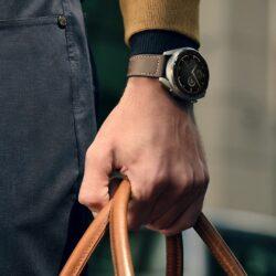Ura Huawei Watch 3 deluje do 3 dni v pametnem načinu in do 14 dni v načinu podaljšanega delovanja, medtem ko model Watch 3 Pro čas delovanja podaljša na 5 oziroma do 21 dni.