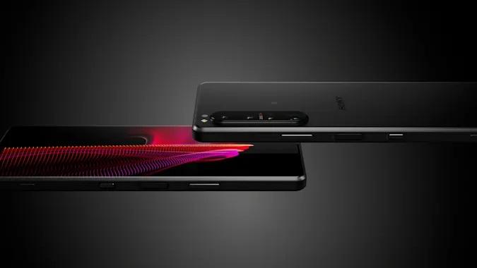 Pametni mobilni telefon Sony Xperia 1 III je namenjen najzahtevnejšim uporabnikom.