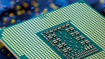 Novi procesor Intel Core i9-12900K naj bi zlahka opravil s konkurenco.