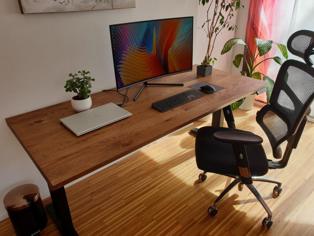 Ergochord dvižne mize že na prvi pogled dajo občutek, da ne gre za običajne pisarniške mize.