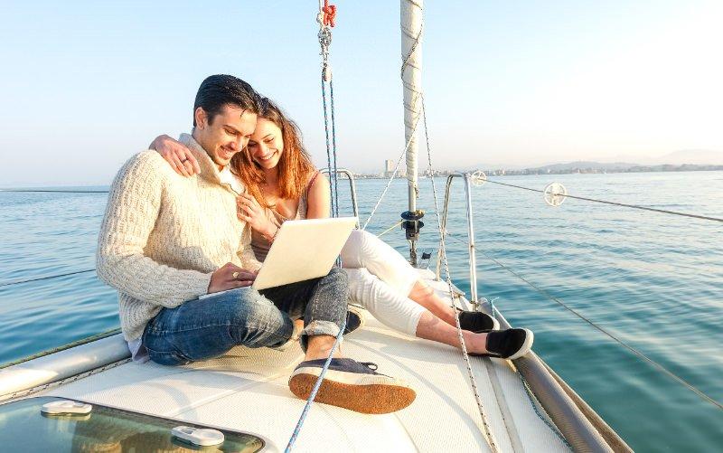 Ste si letos na dopustu spet želeli izposoditi čoln, pa nimate opravljenega izpita? Zdaj je pravi čas, da poskrbite, da bo naslednje leto drugače.