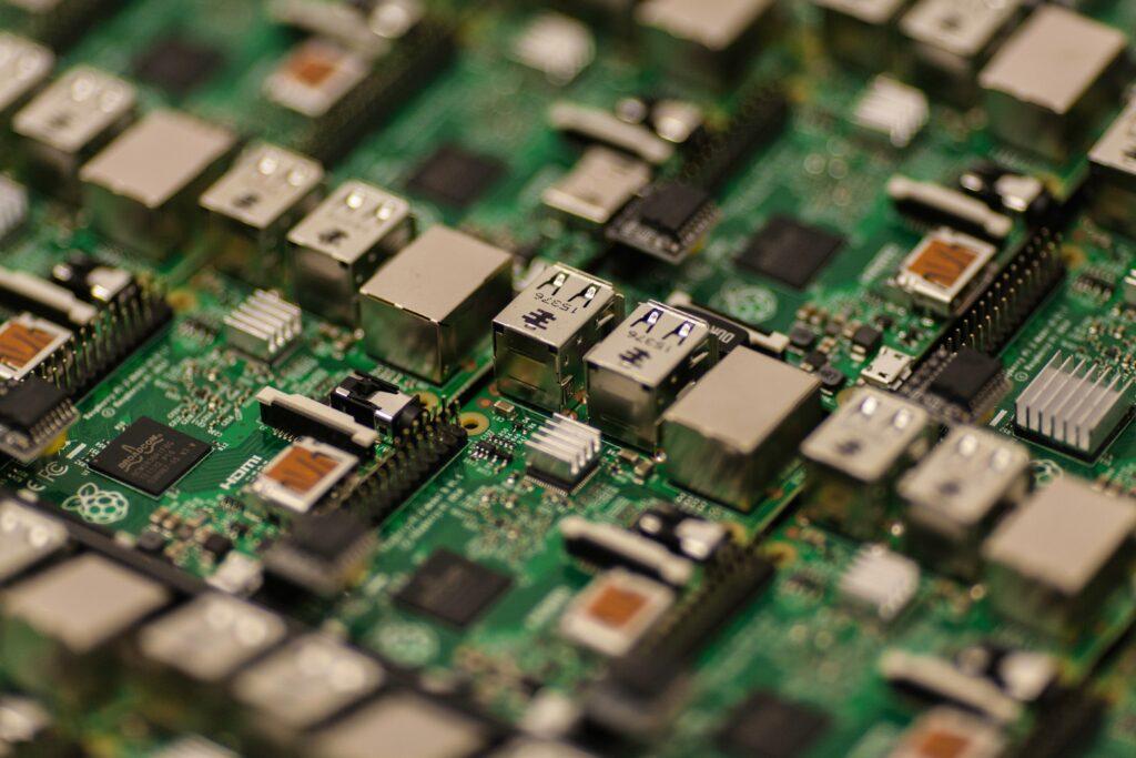 kondenzatorji-grafične-kartice-osnovne-plošče-2